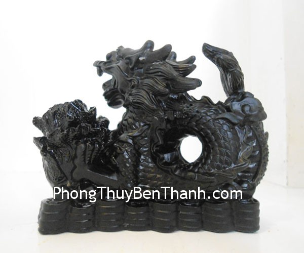 rong om bap cai dt210 01 Feng shui Black Quartz Dragon inside Cabbage DT210